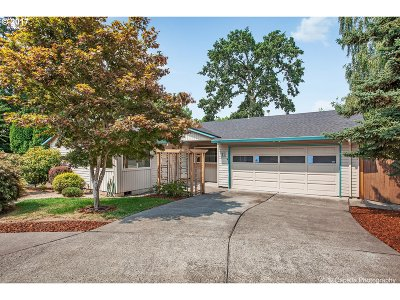 Beaverton OR Single Family Home For Sale: $329,900