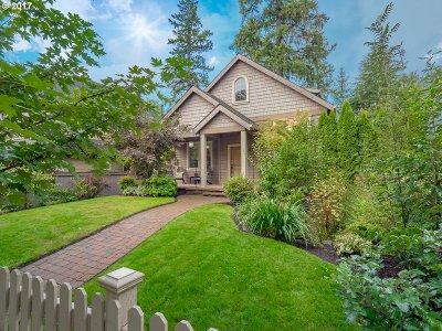 Lake Oswego Single Family Home For Sale: 828 8th St
