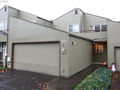 Beaverton Condo/Townhouse For Sale: 17610 NW Rolling Hill Ln