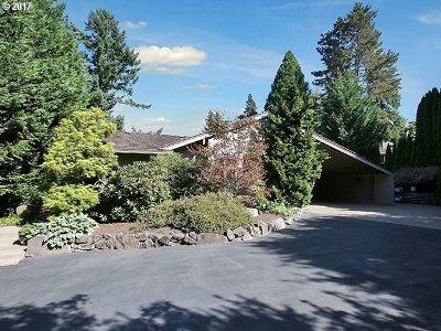 Lake Oswego Single Family Home For Sale: 1828 Egan Way