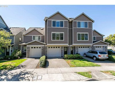 Tualatin Single Family Home For Sale: 9288 SW Sweek Dr