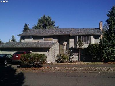 Gresham Single Family Home For Sale: 1708 SW Royal Ave