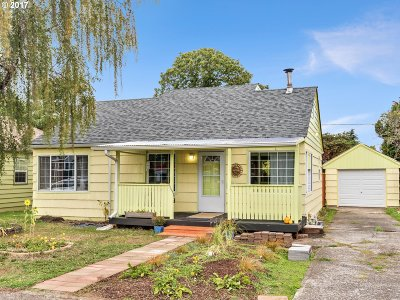 Single Family Home For Sale: 9319 SE Taylor St