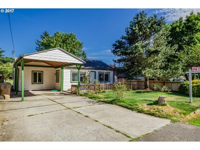 Milwaukie Single Family Home For Sale: 4512 SE Naef Rd