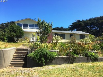 Bandon Single Family Home For Sale: 335 Edison Ave SW