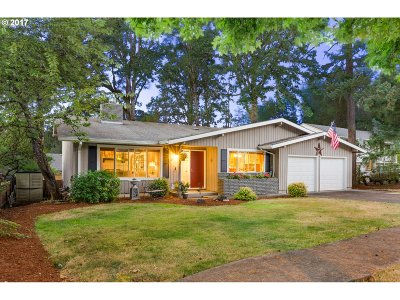 Beaverton Single Family Home For Sale: 13895 SW 33rd Pl