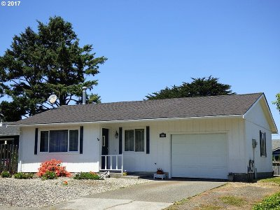 Bandon Single Family Home For Sale: 690 8th Ct