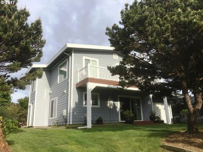 Bandon Single Family Home For Sale: 915 Newport Ave SW