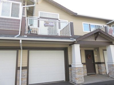 Beaverton Condo/Townhouse For Sale: 15060 SW Mallard Dr #202