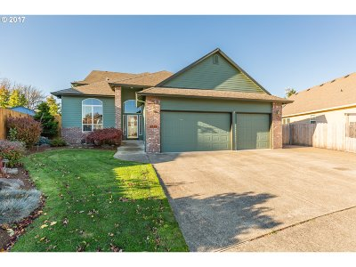 Gresham Single Family Home For Sale: 2735 SE Hacienda Loop