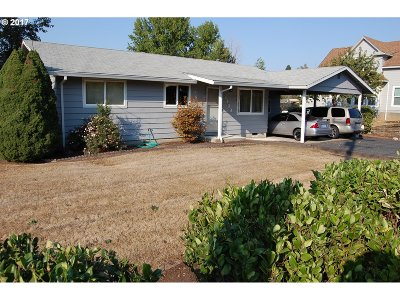 Forest Grove Single Family Home For Sale: 2439 26th Ave