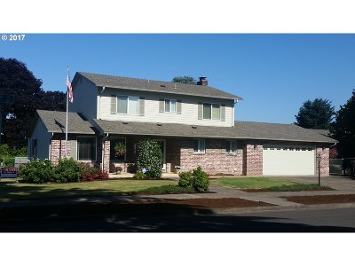 Springfield Single Family Home For Sale: 2536 15th St