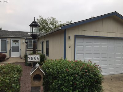 North Bend Single Family Home For Sale: 2506 Creekside Ln