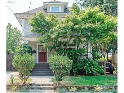 Single Family Home For Sale: 2156 NE Clackamas St