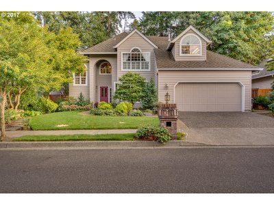 Lake Oswego Single Family Home For Sale: 5526 Yorkshire Pl