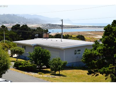 Gold Beach Single Family Home For Sale: 94040 Doyle Point Rd