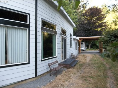 Port Orford Single Family Home For Sale: 93570 Hubbard Creek Rd
