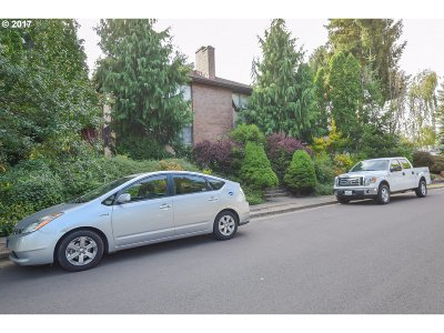 Beaverton Multi Family Home For Sale: 6141 SW Valley Ave