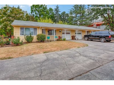 Tigard Multi Family Home For Sale: 11500 SW Lomita Ave