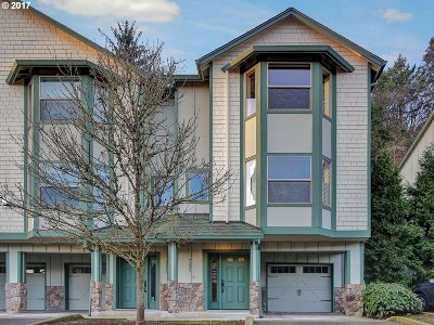 Portland Condo/Townhouse For Sale: 9235 NW Germantown Rd