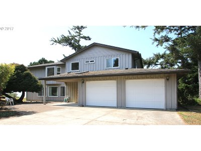 Bandon Single Family Home For Sale: 3640 Beach Loop Dr