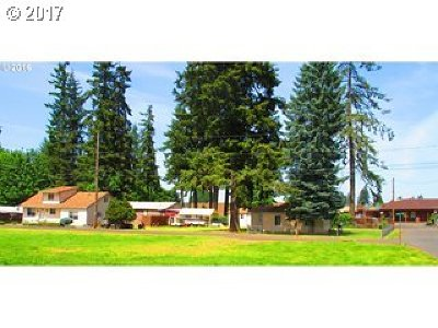 Scappoose Single Family Home For Sale: 33443 Fir Ln