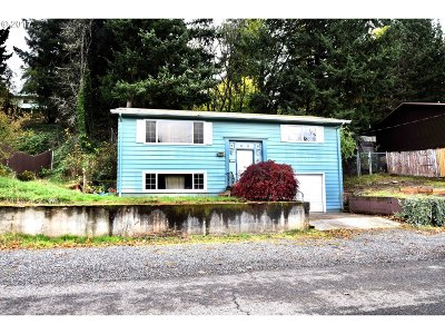 Estacada Single Family Home For Sale: 292 NE Shafford St