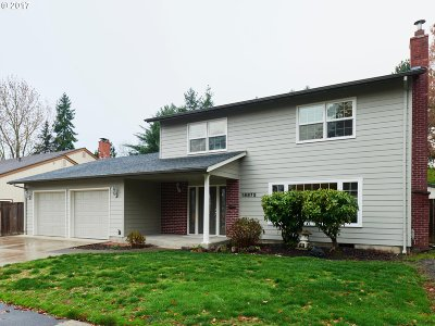 Portland Single Family Home For Sale: 18875 NW Nelscott St