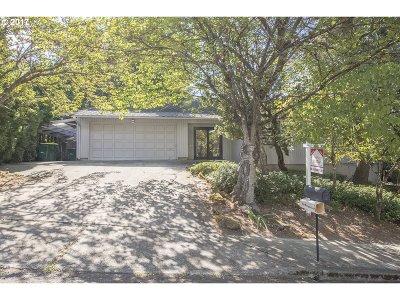 Portland Single Family Home For Sale: 7250 SW Lara St
