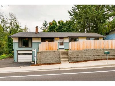Tigard Single Family Home For Sale: 11320 SW Walnut St