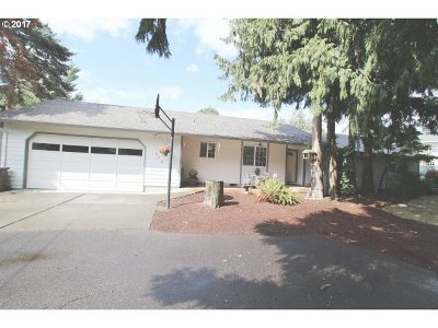Oregon City Single Family Home For Sale: 956 Laurel Ln