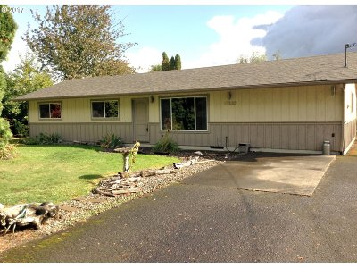 Single Family Home For Sale: 57630 Old Portland Rd