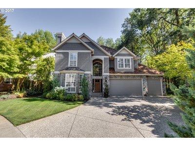 Lake Oswego Single Family Home For Sale: 14274 Kimberly Cir