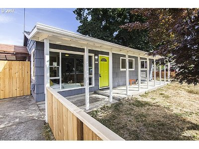 Portland Single Family Home For Sale: 9118 N Hodge Ave