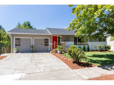 Beaverton Single Family Home For Sale: 6425 SW Wilson Ave