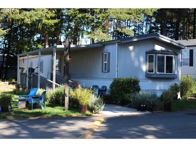 Coos Bay Single Family Home For Sale: 1710 Shorepines Dr