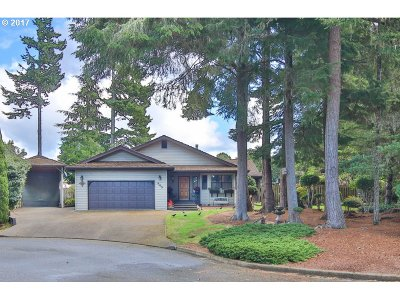 Coos Bay Single Family Home For Sale: 945 Seabreeze Tr