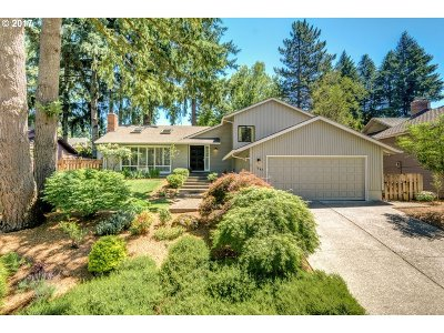 Lake Oswego Single Family Home For Sale: 1642 Highland Dr