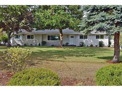 Hillsboro Single Family Home For Sale: 26095 SW Wolsborn Ave