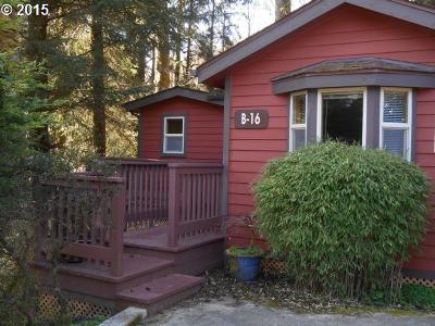 Brookings Single Family Home For Sale: 19921 Whaleshead Rd #B-16