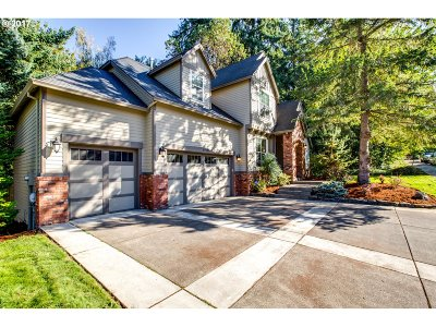 Lake Oswego OR Single Family Home For Sale: $899,000