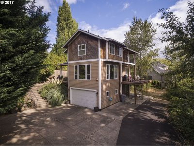 West Linn Single Family Home For Sale: 1301 9th St