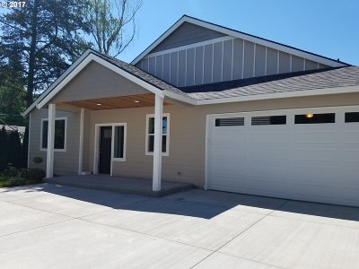 Single Family Home For Sale: 546 SE 155th Ave