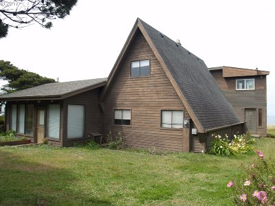 Gold Beach OR Single Family Home For Sale: $239,000