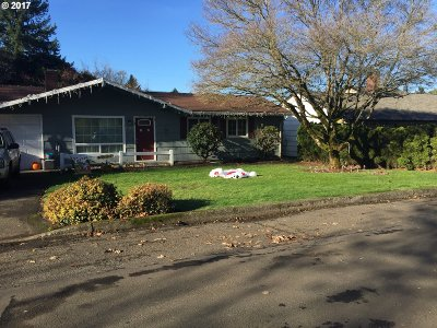 Milwaukie, Gladstone Single Family Home For Sale: 9789 SE 51st Ave