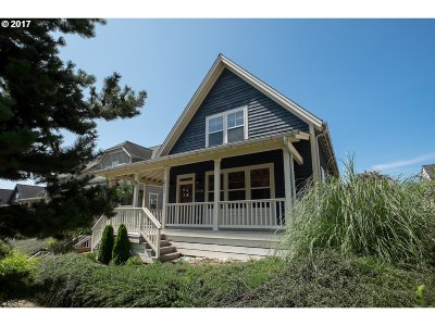 Lincoln City Single Family Home For Sale: 2553 SW Barnacle Ave