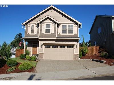 Gresham Single Family Home For Sale: 316 SE Condor Dr