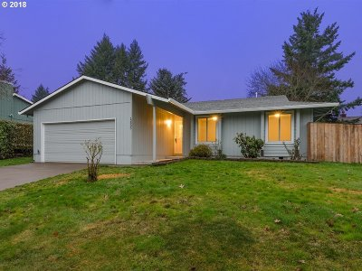 Beaverton, Aloha Single Family Home For Sale: 12935 SW Barberry Dr