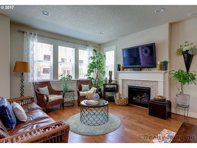 Portland Single Family Home For Sale: 14859 NW Orchid St