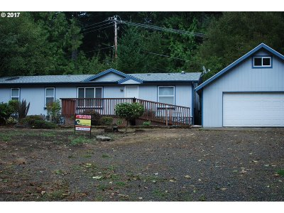 North Bend Single Family Home For Sale: 12808 Wildwood Dr